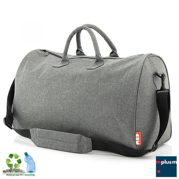 Nachhaltige Reisetasche: Hergestellt aus 24 recycelten PET Flaschen. individuell mit Ihrem Logo zu bedrucken.