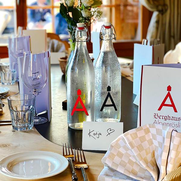 Bügelverschluß Glasflasche mit Logo Alpenrösli bedrucken