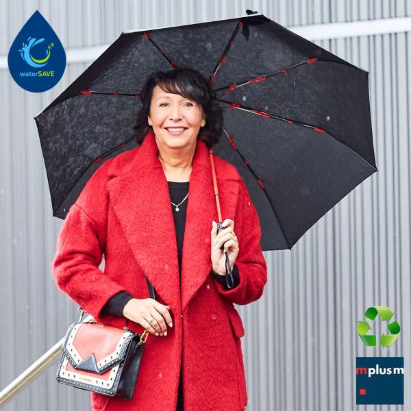 Schwarzer Werbeartikel Taschenschirm Taifun. Nachhaltig und ab 48 Stück mit Logo Druck.
