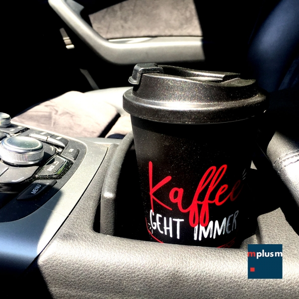 Coffee-to-go-cupholder-auto-BL