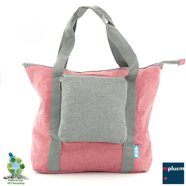 Faltbare Tote-Bag aus Recycling Material. 17 PET Flaschen werden zu dieser schönen Taschen verarbeitet. Mit Logo zu bedrucken.